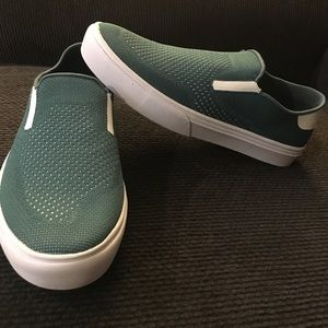 Etnies cirrus skate shoe men's 9 M green, white